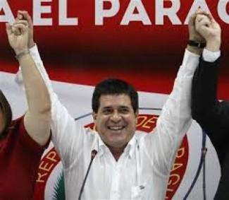 Presidente paraguaio doa salário de US$ 10 mil