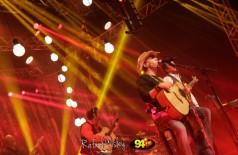 Veja as fotos do show com a dupla Chrystian e Ralf  no salão de eventos da Unigran