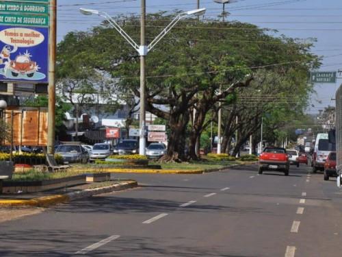 Avenida Hayel Bon Faker terá pista ampliada e redução do canteiro central (Foto: A. Frota)