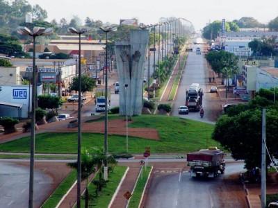 Servidores públicos municipais de Dourados têm tido salários atrasados desde a folha de setembro (Foto: A. Frota)