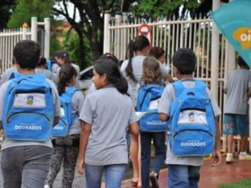 Após sair designação de alunos, pais reclamam da falta de vagas em escolas e creches municipais