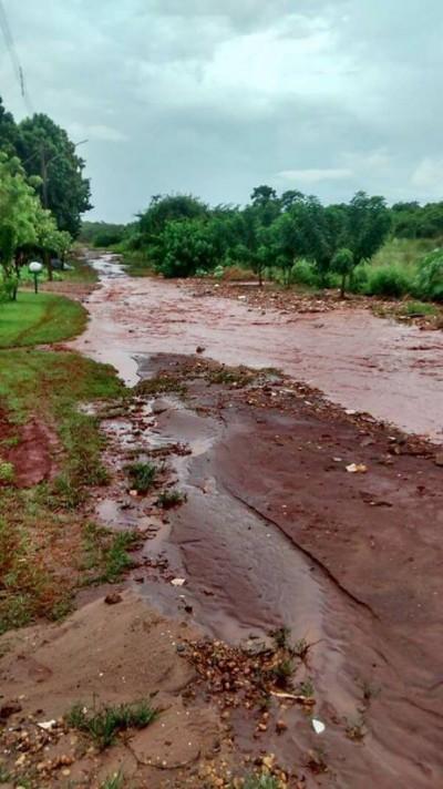Morador da Sitioca Campina Verde publicou foto da região com apelo por ajuda da prefeitura (Foto: Reprodução/Facebook)
