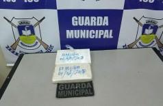 Tabletes apreendidos na rodoviária de Dourados por suspeita de conterem cocaína podem ser farinha (Foto: Adilson Domingos)