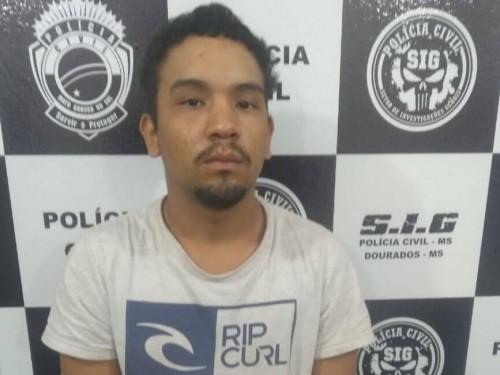 Um dos autores do roubo Kenedy Vieira Diniz, de 19 anos (Foto: Sidnei Bronka)