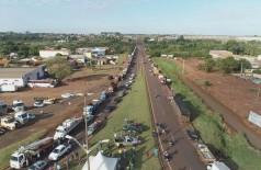 Protesto em Dourados envolveu pelo menos 300 caminhoneiros em pontos de bloqueio (Foto: Eliel Oliveira)