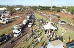 Bloqueios em Dourados reuniram pelo menos 300 caminhões, segundo manifestantes (Foto: Eliel Oliveira)