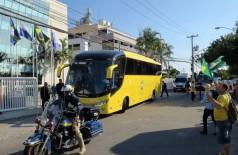 Ônibus da CBF leva a seleção brasileira de futebol até o Aeroporto Internacional Tom Jobim, de onde os jogadores embarcam para Londres/Vladimir Platonow/Agência Brasil