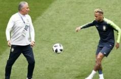 Tite confirma equipe, nega Neymar no sacrifício e quer que astro siga 'transgressor'