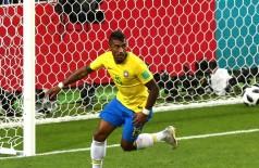 Paulinho abriu o placar aos 35 minutos do primeiro tempo (Foto: © Getty Images)