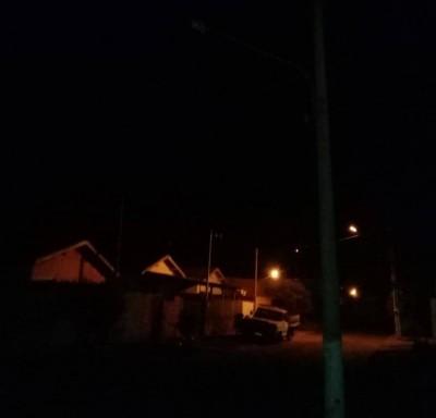 Bairro Ypê Roxo, na Rua Antônio Mendes da Silva na escuridão por falta de iluminação pública (Foto: divulgação/94FM)