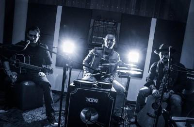 Eliezer Rosa (Violão), Kleberson (Tajon) e Kleber (Violão) compõem o Vokalika (Foto: Divulgação)