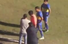 No Peru, árbitro consulta câmera para validar gol - Foto: Reprodução/YouTube