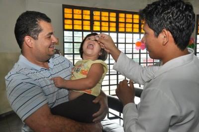 Meta da campanha de vacinação em Dourados é imunizar 12 mil contra poliomielite e sarampo (Foto: A. Frota)