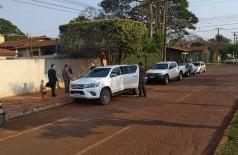 Agentes deixam a casa do deputado estadual em Dourados - foto: Adilson Domingos