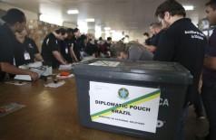 Mais de 10,6 mil brasileiros vão votar em cédula de papel no exterior