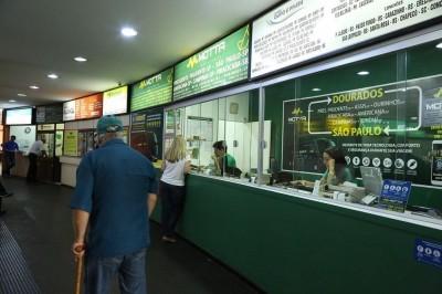 Procon iniciou nesta sexta-feira campanha de fiscalização no terminal rodoviário de Dourados (Foto: A. Frota)