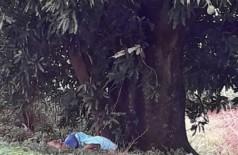 Adolescente foi encontrado morto em uma estrada rural em Itaporã (Foto: Sidnei Bronka)