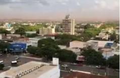 Em tarde quente e seca, Dourados enfrentou ventos fortes (Foto: Reprodução/Facebook)