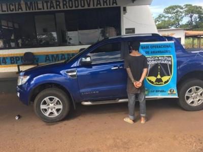 Condutor e veículo com registro de roubo foram levados para delegacia (Foto: Divulgação/BOpRv)