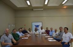 Representantes da Aced, CDL e advogados reunidos para discutir irregularidades na Convenção Coletiva de Trabalho (Foto: Divulgação/Aced)