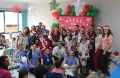 Iniciativa dos colaboradores da assistência teve apoio da Associação dos Voluntários, da Capelania e de funcionários de outros setores do hospital (Foto: Divulgação/HU-UFGD)