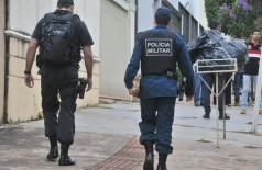 Gaeco durante operação contra policiais em maio do ano passado. - Foto: Valdenir Rezende