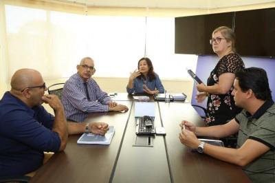 Secretário de Educação diz que só pode assumir compromissos nesta gestão(Foto: A. Frota)