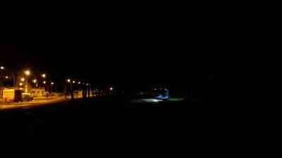 Principal avenida da Cidade Universitária no escuro desde dezembro (Foto: reprodução/UFGD)