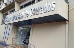 Empresário em questão teria sido beneficiado com contratos fraudados na Câmara de Dourados (Foto: André Bento)