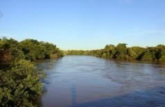 Ponte será construída sobre o Rio Dourados em trecho do Assentamento Itamaraty (Foto: Paulo Yuji Takarada)