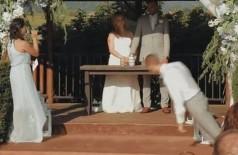 Padrinho desmaia direto ao chão - Foto: Reprodução/YouTube