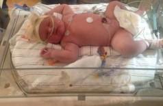 Mãe dá à luz bebê de 6,8 kg nos EUA: