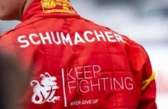 Filho de Schumacher vai pilotar a Ferrari em testes no Bahrein