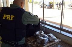 Drogas apreendidas com a adolescente - Foto: Polícia Rodoviária Federal