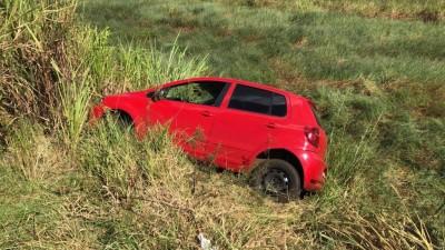 Capotamento de veículo ocorreu na Avenida Guaicurus (Foto: Sidnei Bronka)