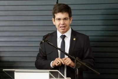 O senador Randolfe Rodrigues (Rede-AP) e outros parlamentares vão pedir o impeachment de Alexandre de Moraes e Dias Toffoli (Foto:  Plínio Xavier/Câmara dos Deputados)