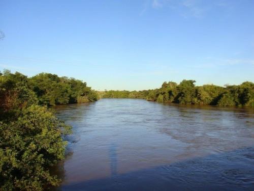 Água do Rio Dourados abastece consumidores douradenses (Foto: Paulo Yuji Takarada)