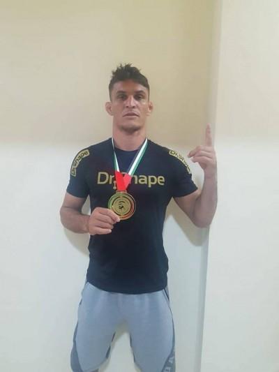 Maicon Pereira do Nascimento conquistou mundial faixa roxa master até 85 quilos em Abu Dhabi (Foto: Divulgação)