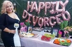 Após viver relação tóxica, mulher faz festa para comemorar divórcio do ex-marido (Foto: reprodução/Instagram)