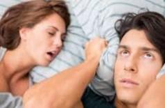 Mulheres roncam, mas têm dificuldade de admitir o problema