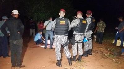 O jovem morreu no local - Foto: Sidnei Bronka
