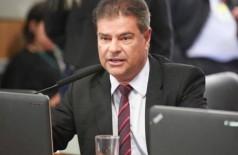 Senador Nelsinho Trad votou para tirar poder de atuação de auditores fiscais contra o crime (Foto: Reprodução/Facebook)