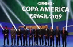 Treinadores das seleções no sorteio dos grupos da Copa América Brasil 2019, na Cidade das Artes, no Rio de Janeiro. - Fernando Frazão/Agência Brasil
