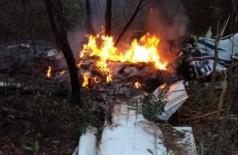 A queda do avião aconteceu no início da manhã desta quarta-feira  (Foto: Direto das Ruas/Campo Grande News)