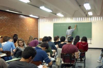 Encerra hoje prazo para renovação de contratos do Fies (Foto: Arquivo/Agência Brasil)