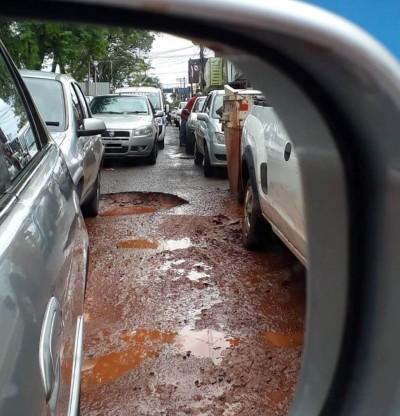MPE quer saber andamento do tapa-buracos em Dourados (Foto: Eliel Oliveira)