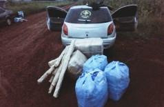 Carro apreendido com mercadorias contrabandeadas do PY - Foto: DOF