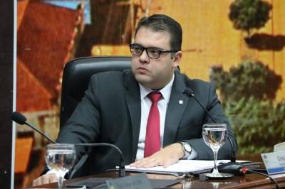 Presidente da Câmara de Dourados, vereador Alan Guedes diz que deve acatar recomendação do MPE (Foto: Thiago Morais)