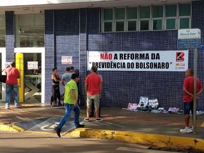 Por causa do movimento, a Guarda Municipal fechou parte da Avenida Joaquim Teixeira Alves - Foto: divulgação/Simted