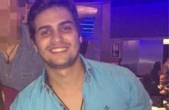 Carlos Fernando Resende Carmo, de 23 anos, posa para foto (Foto: Facebook/Reprodução)